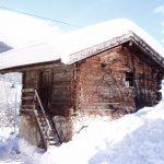 Viel Schnee am Stadl-Dach